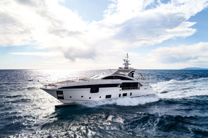 The new Azimut Grande 35METRI