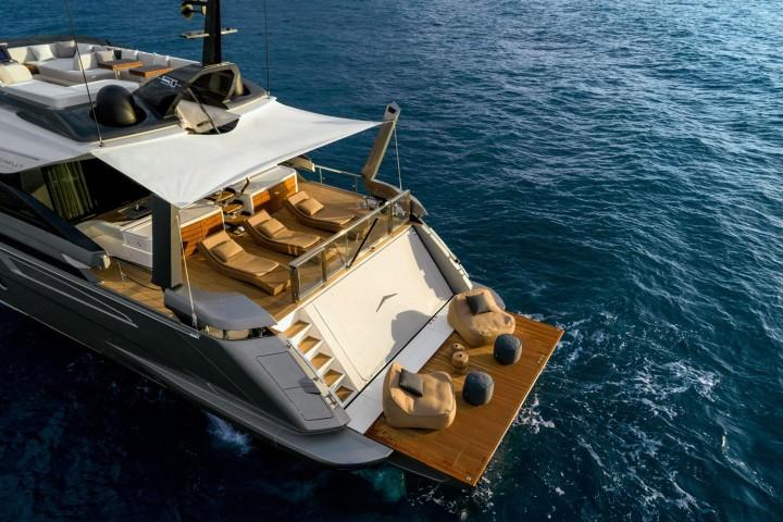OYS 2021yacht