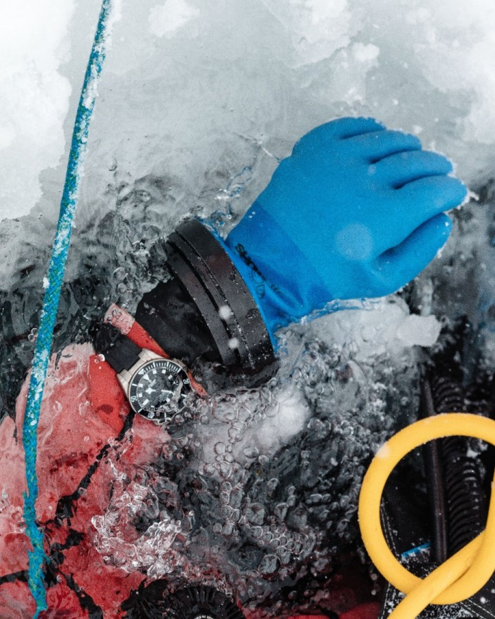 Ice Diving with Pelagos 3