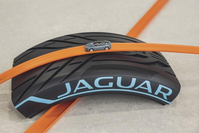 Jaguar F TYPE 2019 hotwheels b1000x667