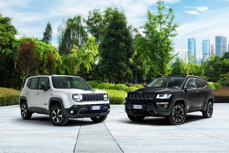 Jeep renegade and Compass 4xe First Edition a1000x667
