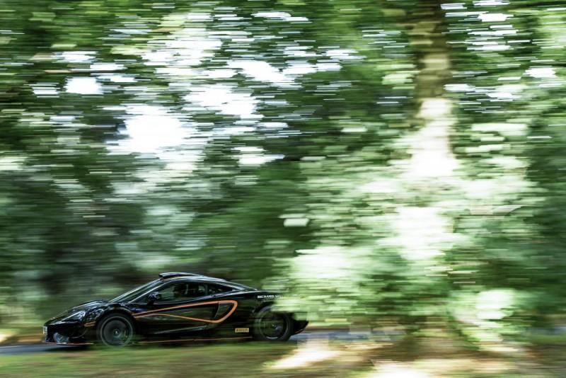 McLaren 620R e1000x667