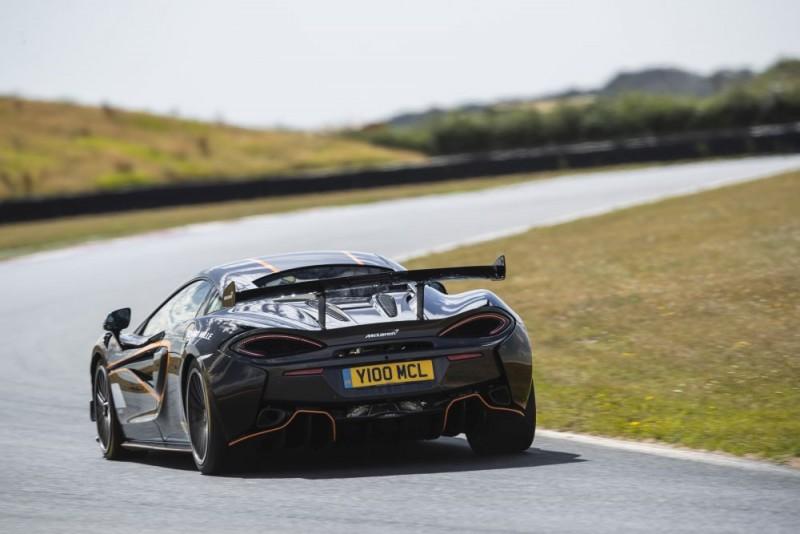 McLaren 620R f1000x667