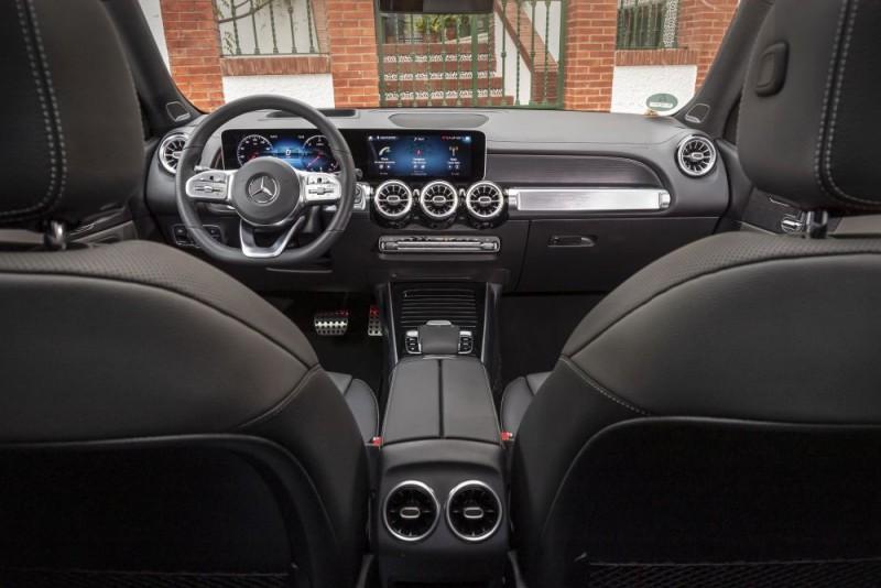 Mercedes Benz GLB 2020 interior b1000x667