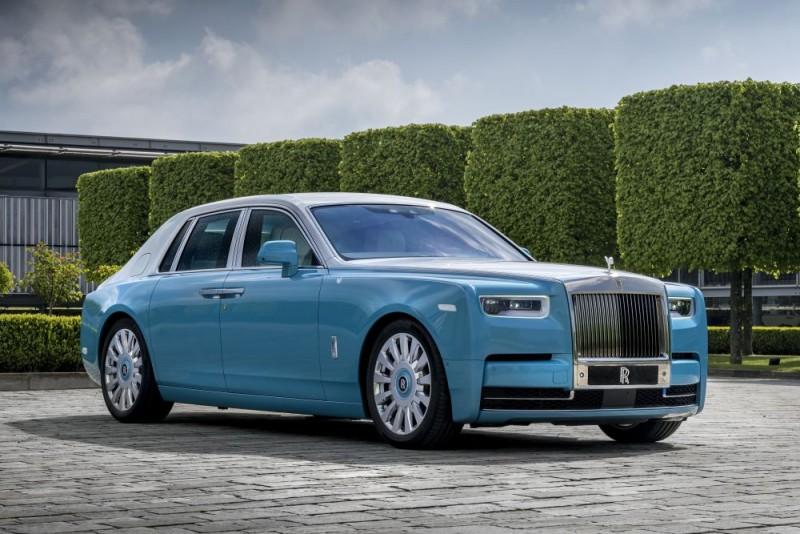 Rolls Royce Phantom 2018 b1000x667