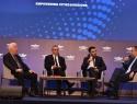 Από αριστερά: Κώστας Μουτζούρης, Περιφερειάρχης Βορείου Αιγαίου, Γιώργος Χατζημάρκος, Περιφερειάρχης Νοτίου Αιγαίου, Βασίλης Σκουλαράκος, δημοσιογράφος του Newsbomb.gr και Γιάννης Πλακιωτάκης, υπουργός Ναυτιλίας και Νησιωτικής Πολιτικής