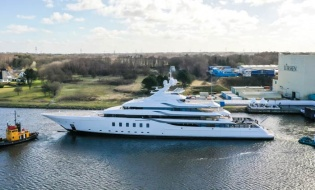 CCN launches ELSEA, first fully custom made 50m yacht in aluminum | Skipper ONDECK - NewLaunches.Fiji-1nsp-887