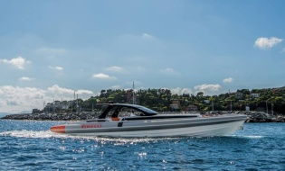 Tiara Yachts debuted the new Q 44 | Skipper ONDECK - NewLaunches.Pirelli1900-1nsp-887